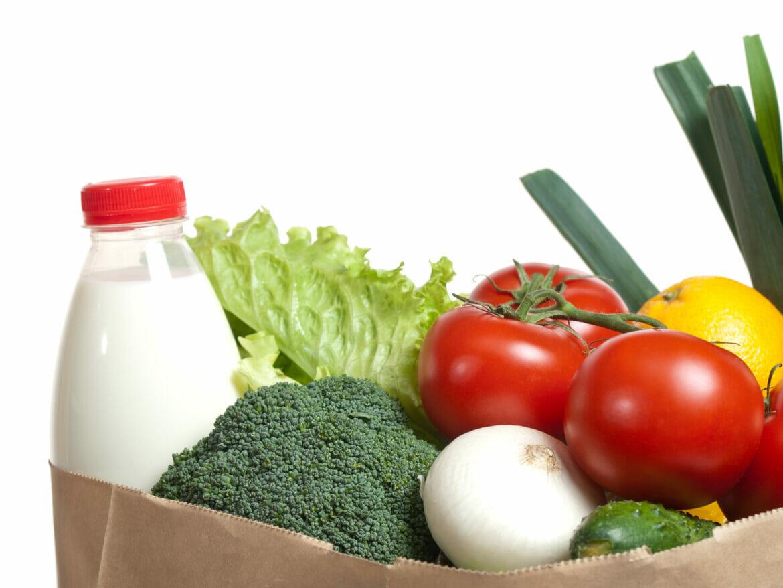 Shopping bag full of fresh vegetables